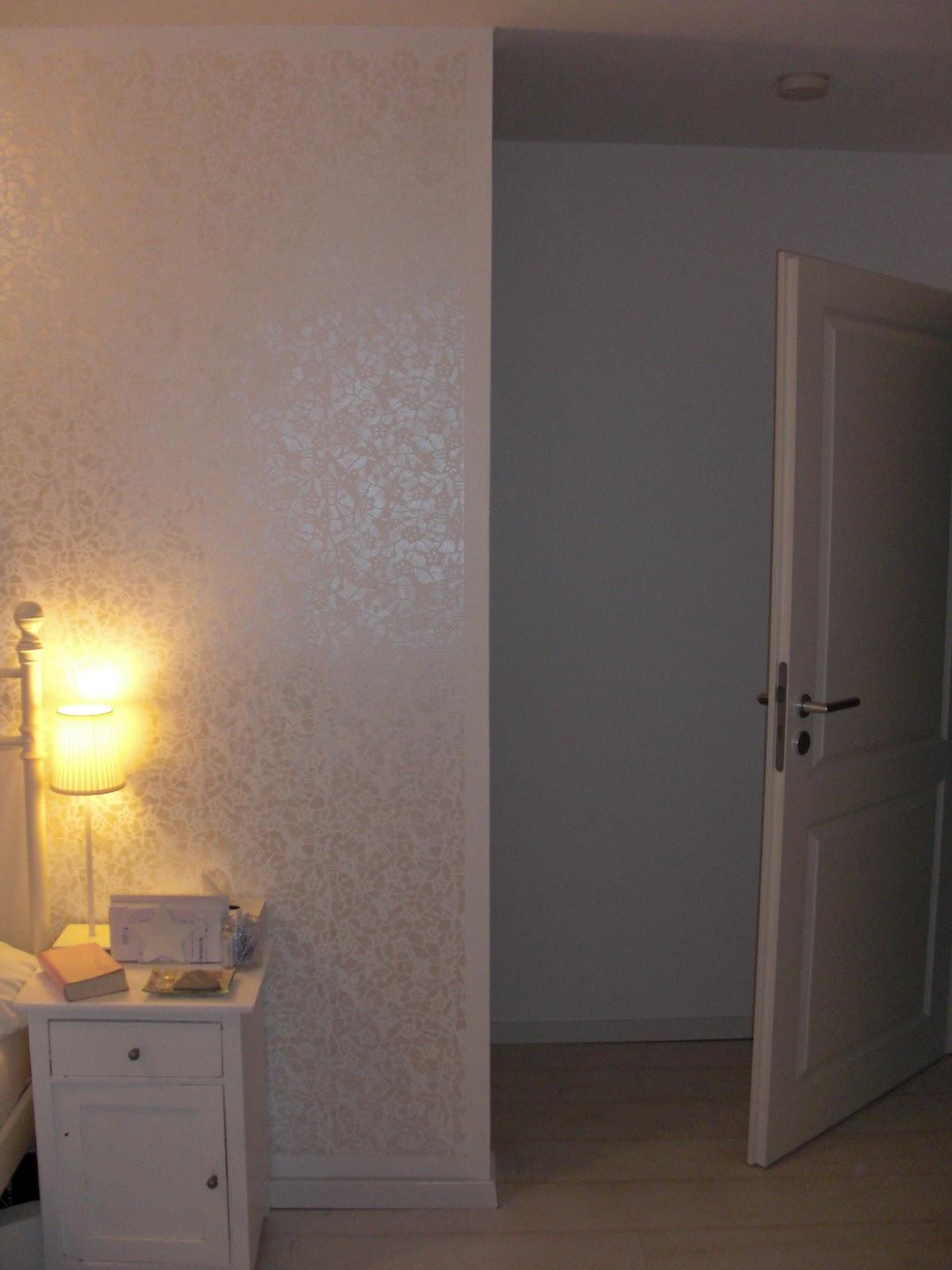 heim elich eine schablone f r die schlafzimmerwand diy. Black Bedroom Furniture Sets. Home Design Ideas