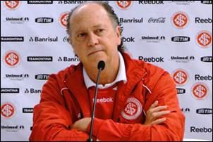 Falcão, o técnico a perigo do Internacional.