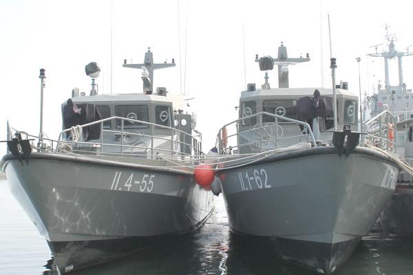 Panglima TNI Ujicoba Dua KAL-28 di Teluk Jakarta