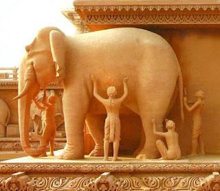 blind men and elephant public sculpture India
