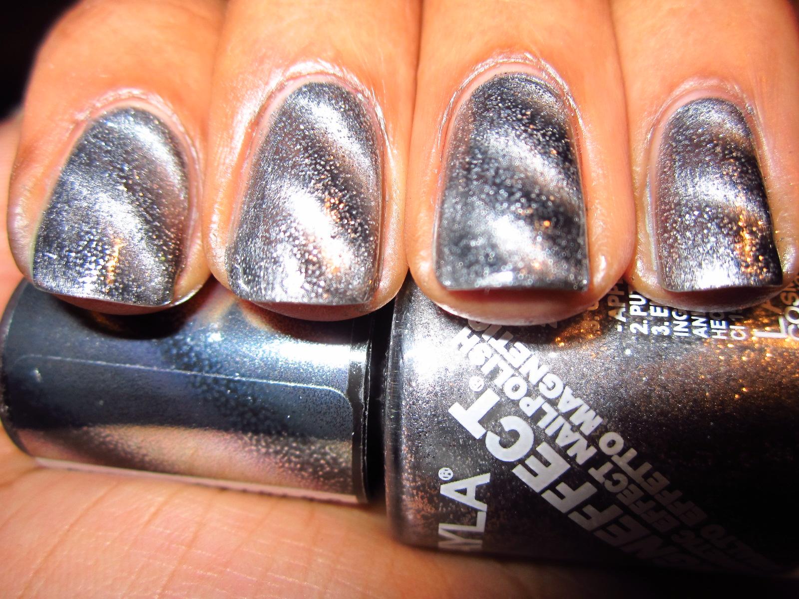 Blue Polish: Layla Magneffect Nail Polish