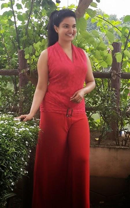 Malayalam actress Honey Rose Hot