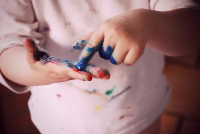 post sponsorizzato chanteclair bebe colori pittura dito