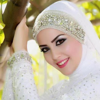 Dalam Tips Jilbab Cantik kali ini akan dibagikan Tips Cantik Make up ...