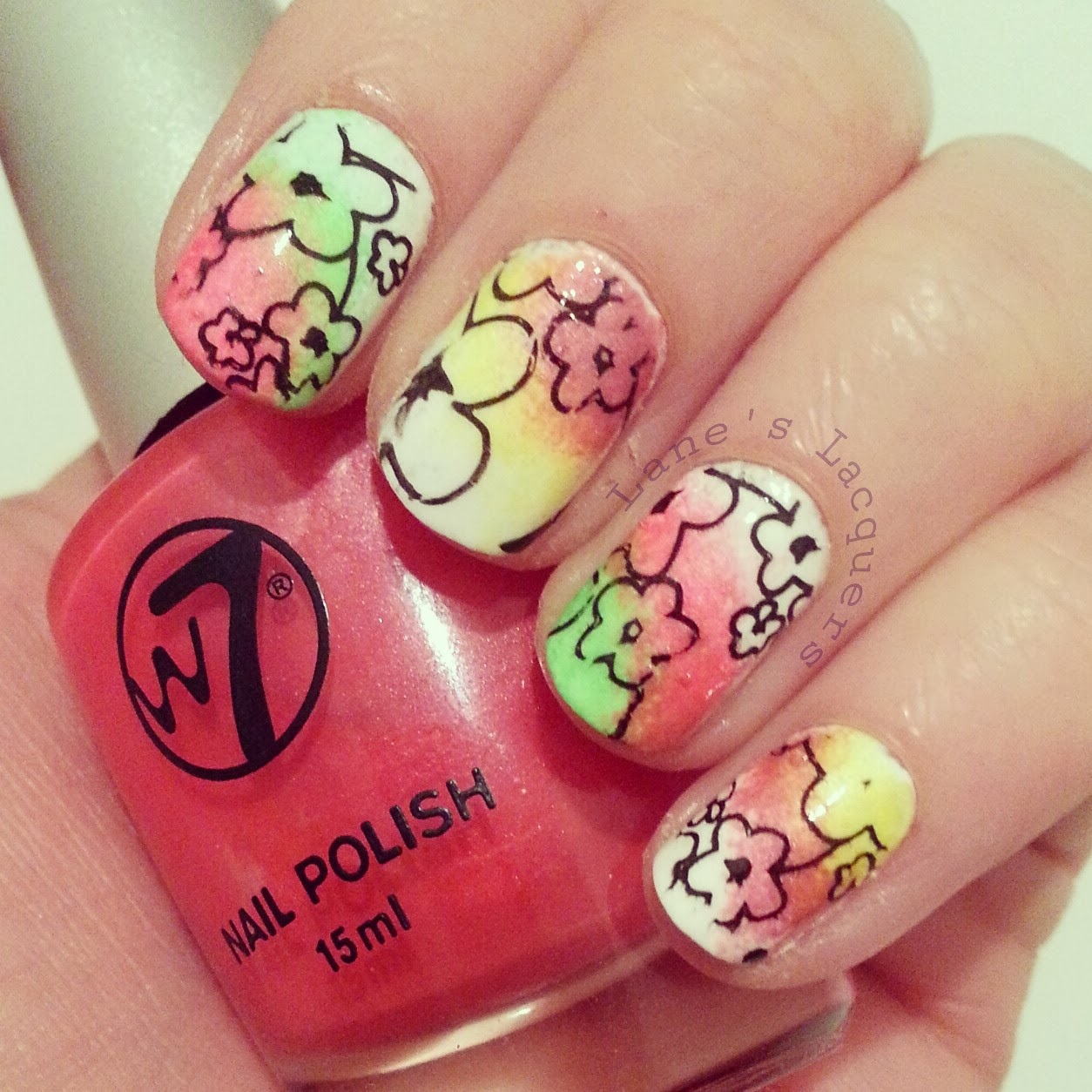 fingerfood-theme-buffet-flowers-neon-nails