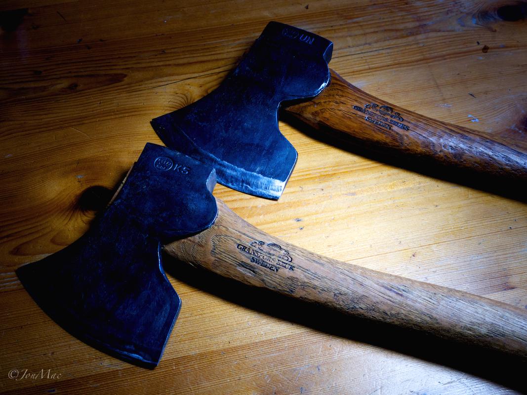 gransfors bruk axes+spooncarving axe+makemethischris