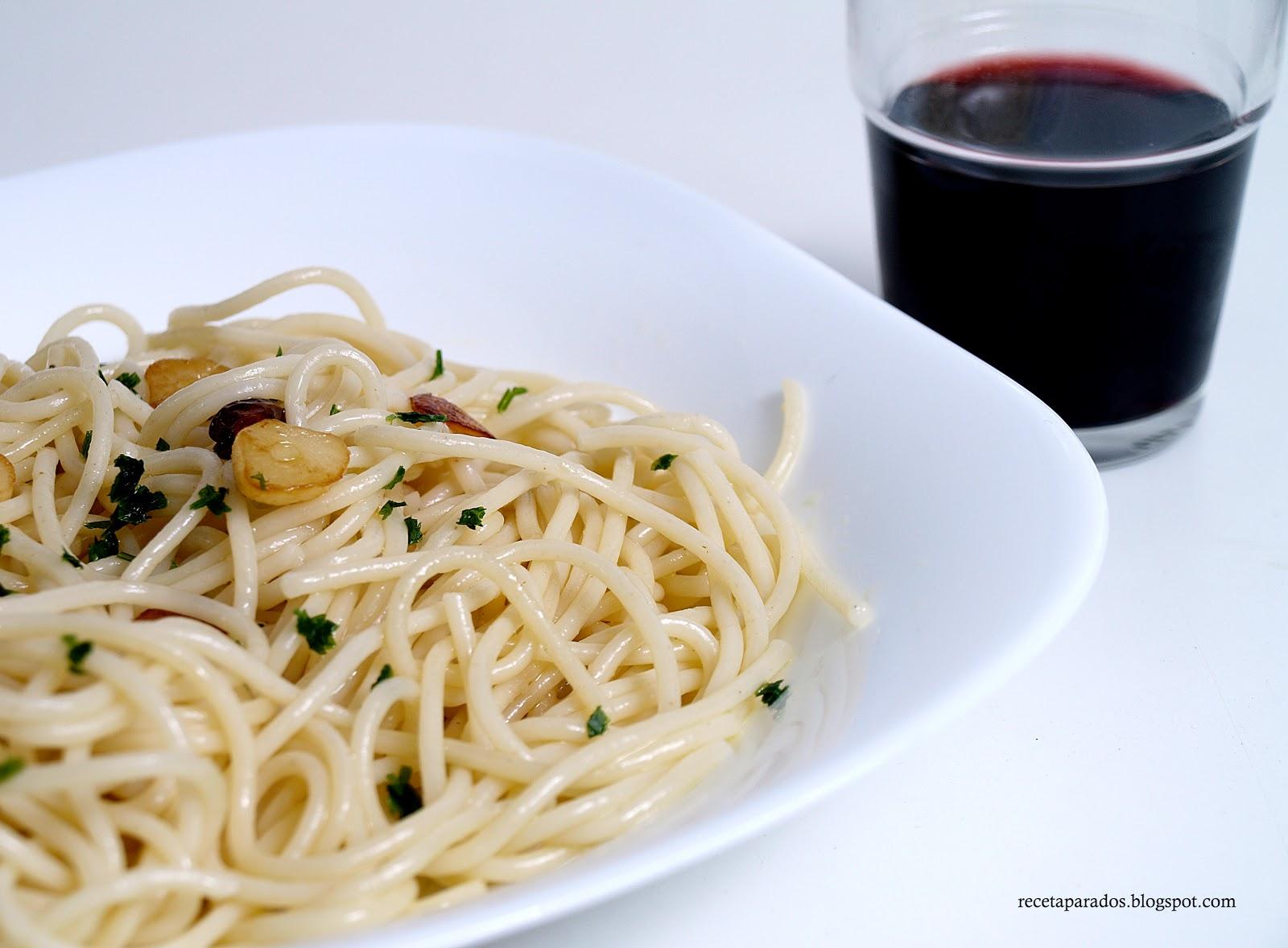 receta para dos espaguetis con ajo y aceite