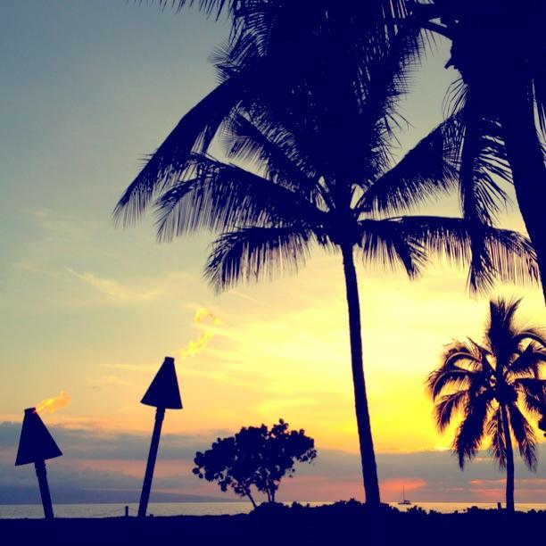 Sunset at Duke's Maui | www.floralsandplaid.com