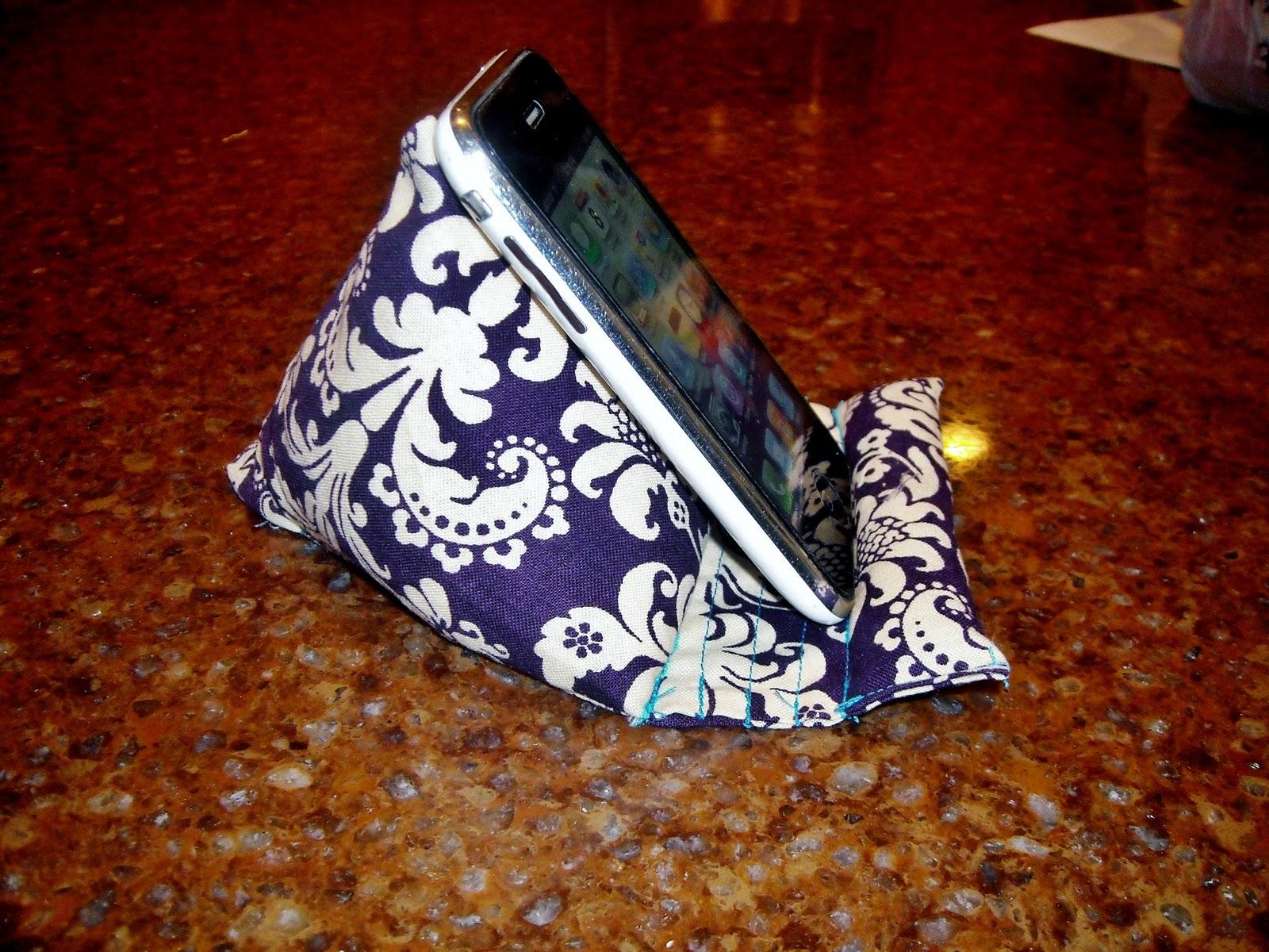Ipod Pillow A Sewing Bloggery Updated Pod Pillow Tutorial