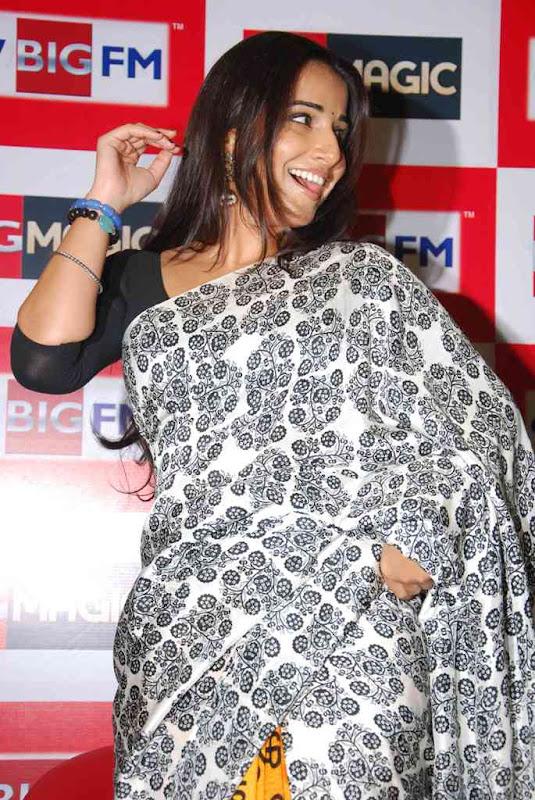 Vidya Balan At  Big FM Photos glamour images