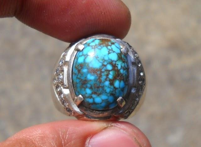 Batu Pirus Warna Biru Asli