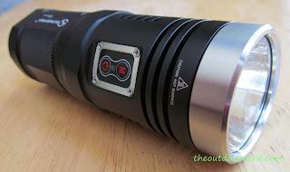Sunwayman D40A [4xAA Flashlight] - Product Link