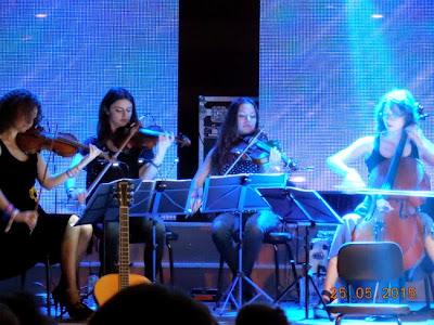 Vunk cu pian, vioara, violoncel si saxofon