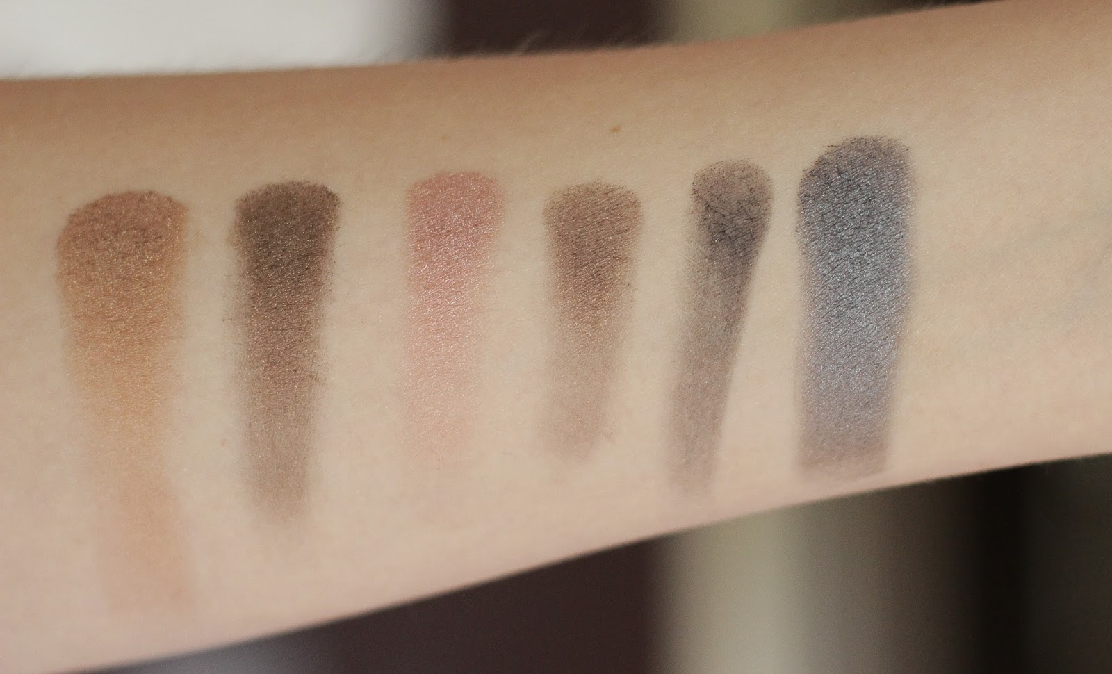 review swatches look MUA Undressed pallet