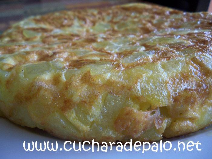 Cuchara de palo tortilla de patatas en microondas - Tortilla en el microondas ...