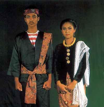 Pakaian-Adat-Madura