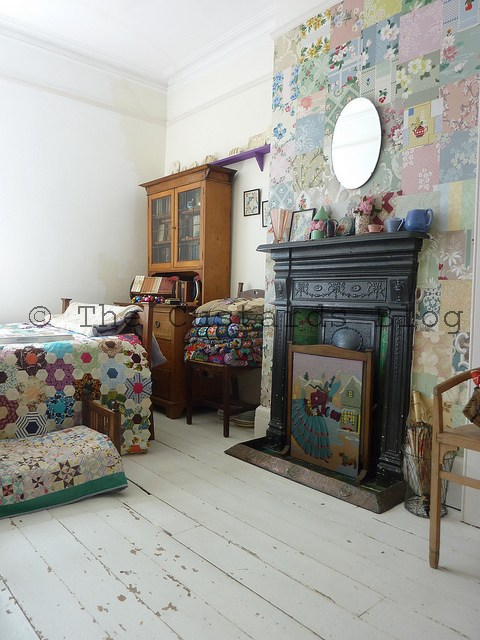 The custards my vintage wallpaper wall under threat - Papier peint patchwork ...