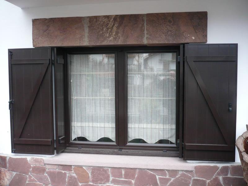 Fabricaci n de ventanas de madera av carpinteros 653 - Carpinteros en malaga ...