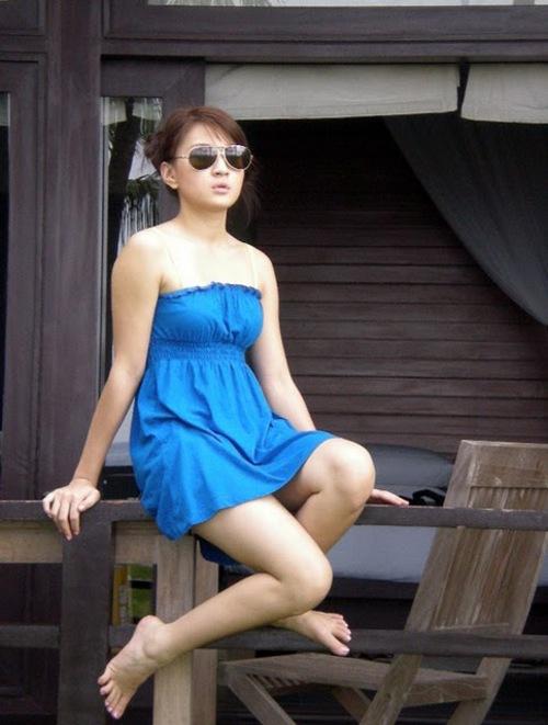 wut hmone shwe yee nude photo 01