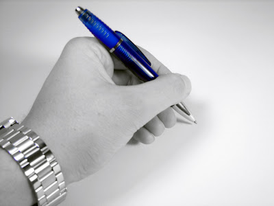 http://2.bp.blogspot.com/-GXmbukzXces/TVSt0-n36HI/AAAAAAAABL8/MbwPloiX8Vs/s1600/left-handed-grip.jpg