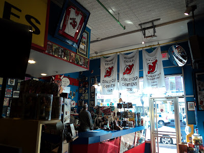 Jay And Silent Bobs Secret Stash Red Bank New Jersey Comic Book 2015 ...