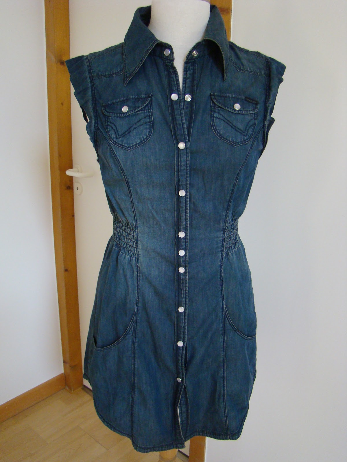 Robe en jean vide dressing