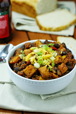 http://www.thekitchenismyplayground.com/2014/10/roasted-butternut-squash-chili-totally.html