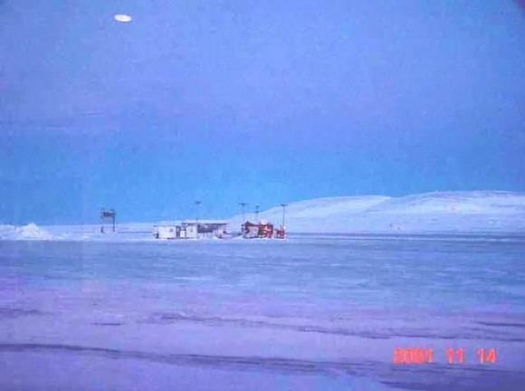 UFO 6 de Noviembre 2001 Resolute bay, Canada