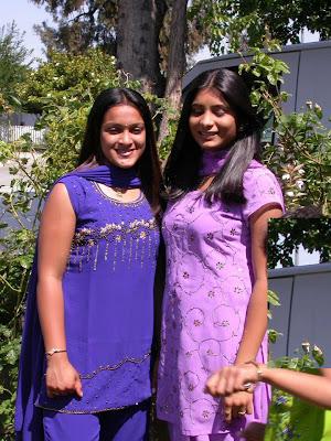 Tamil Nadu girls visits their aunt's garden.