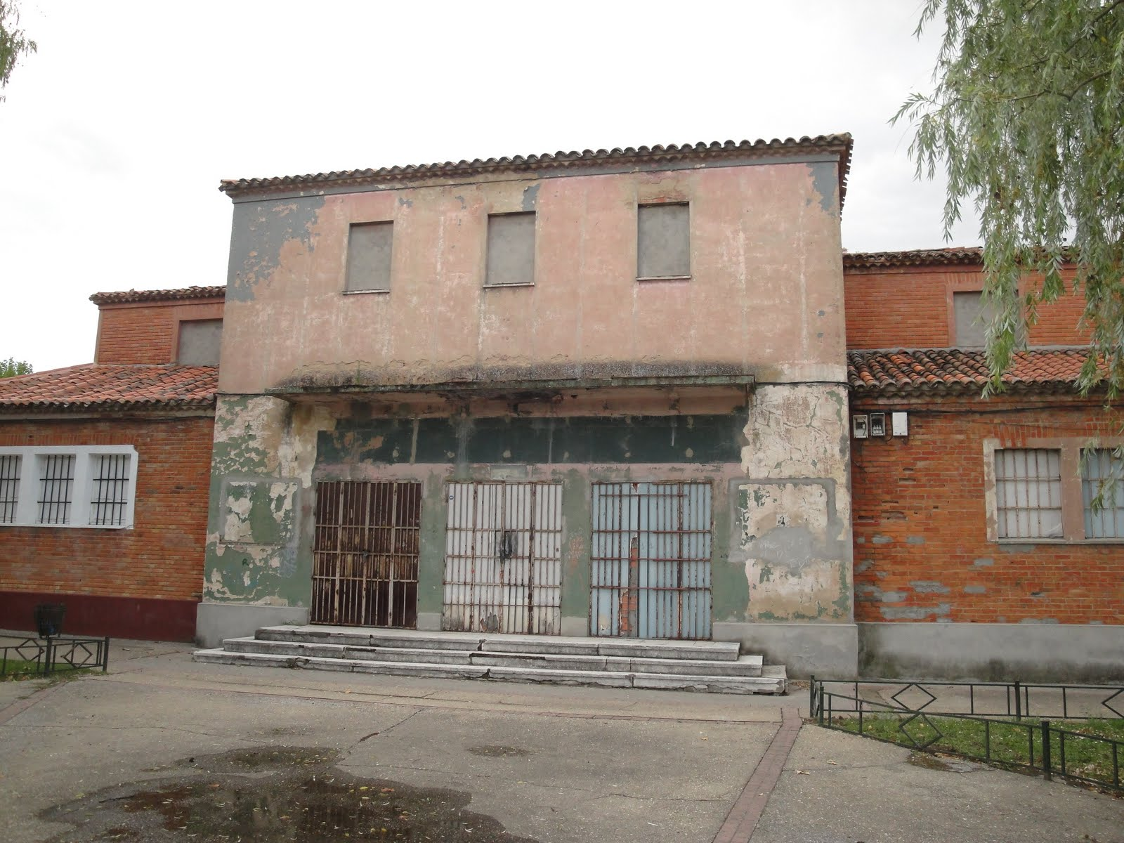 edificio del antiguo cine castilla