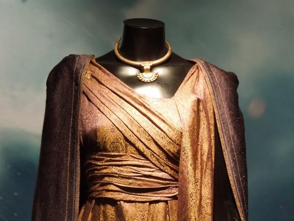 Jane Foster costume necklace Thor Dark World