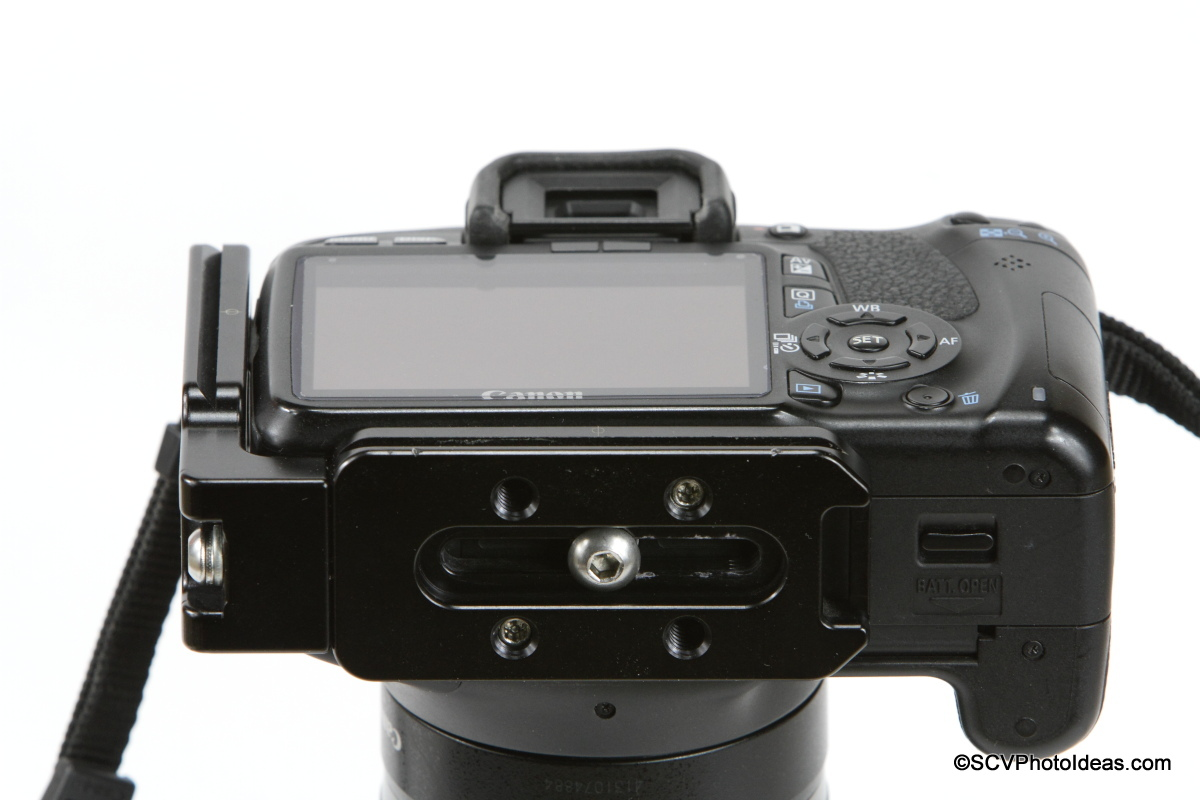 Hejnar L Bracket 22 mounted on Canon EOS 550D - flush on side