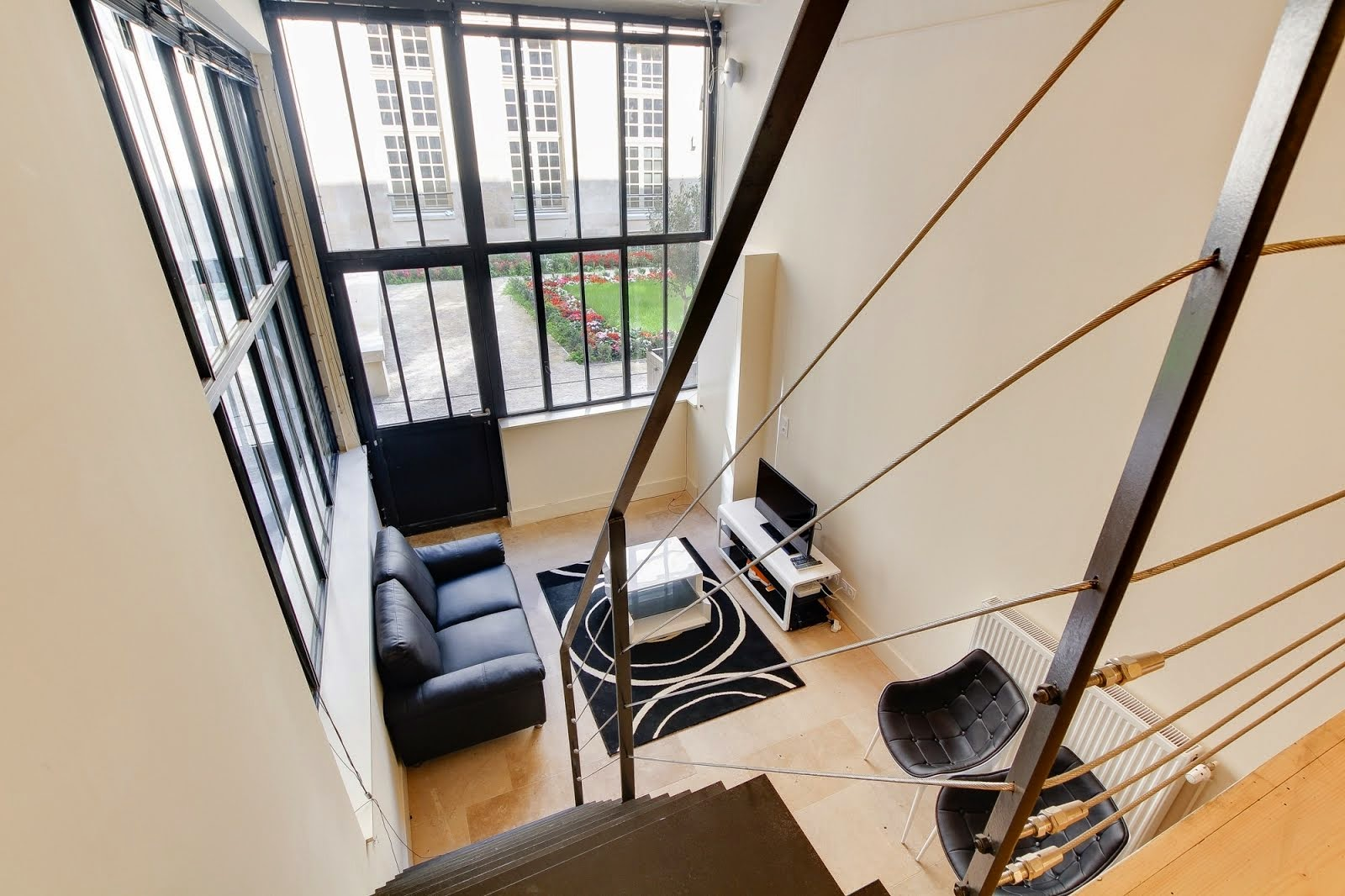 Loft in Paris to rent / Loft à louer à Paris