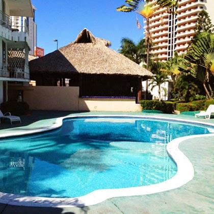 imagen de la alberca familiar del Hotel El Tropicano en Acapulco