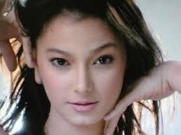 Biodata 5 artis cantik indonesia berdarah campuran for Mobel quakenbruck