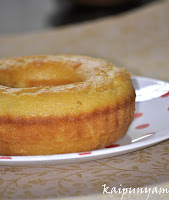 Vanilla Cake with nutmeg and lemon zest