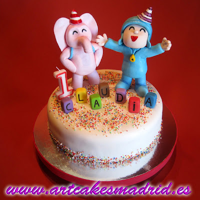 Tarta de cumpleaños con Pocoyó y Eli modelados