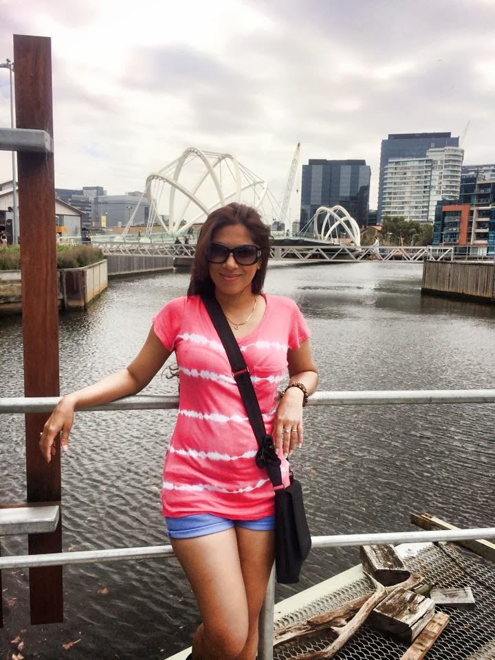 Anusha Rajapaksha blue shorts