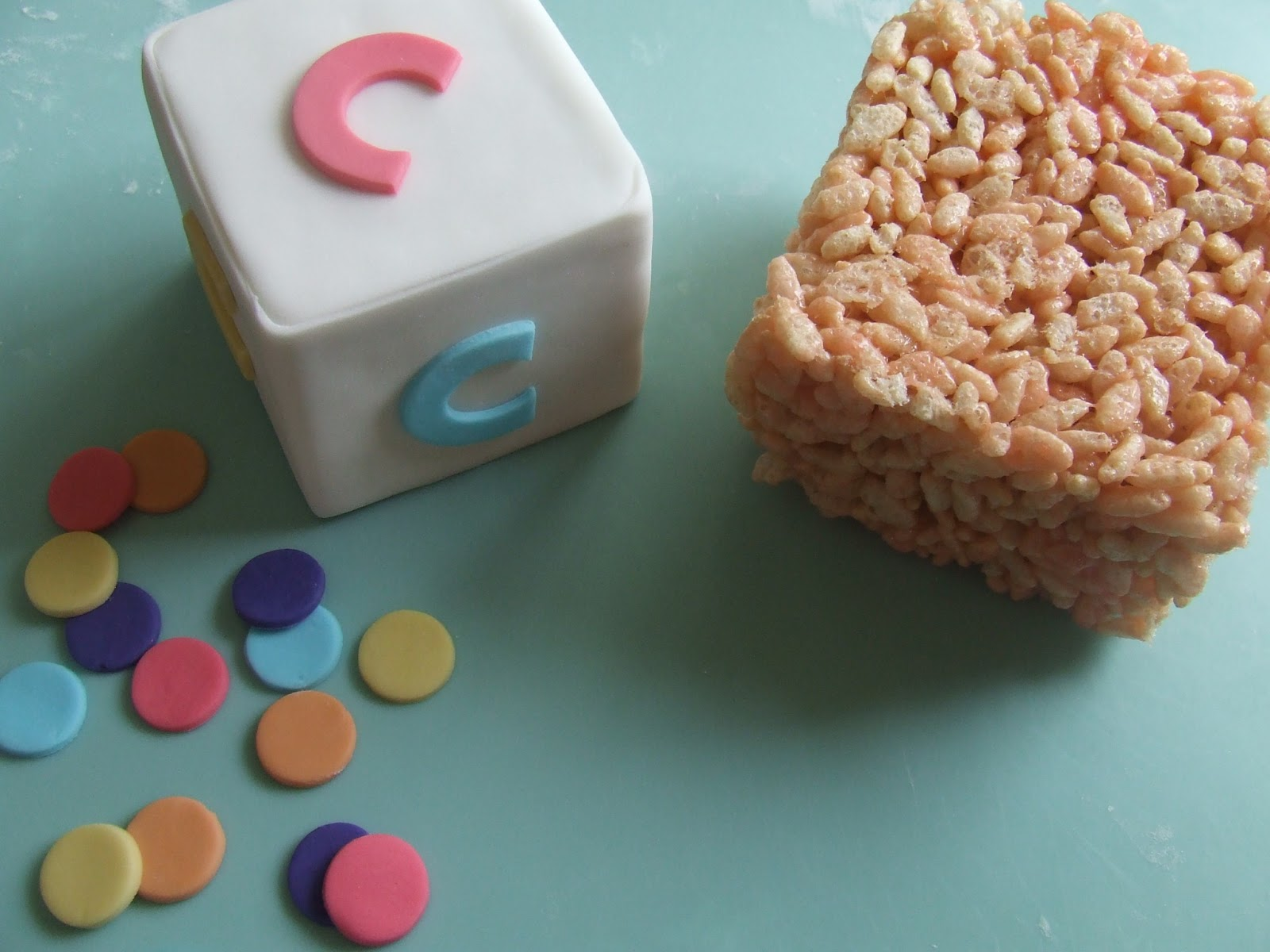 Kiwi cakes alphabet block cake topper from kiwicakes for Alphabet blocks cake decoration
