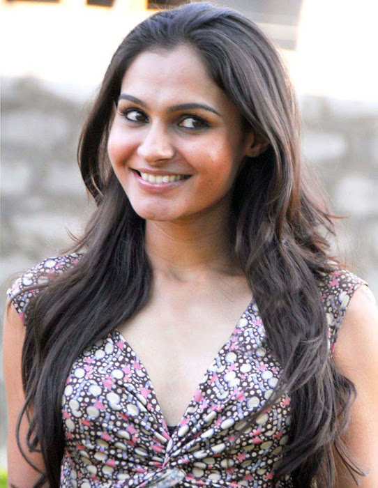 andrea jeremiah sizzling photo gallery