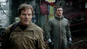 Bryan Cranston y Aaron Taylor-Johnson en Godzilla