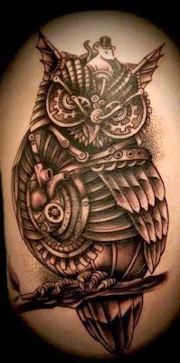 Tatuagem de Coruja Mecânica Steampunk