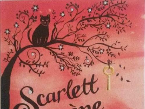 Scarlett mène l'enquête de Fleur Hitchcock