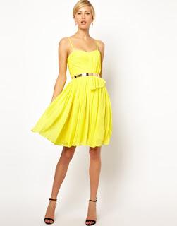 Pakaian warna kuning