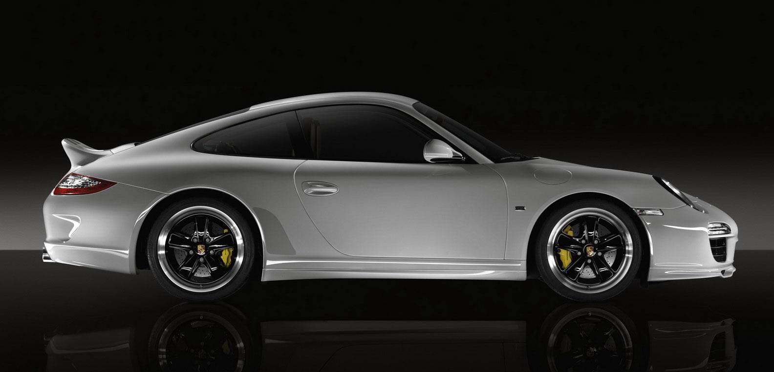 911シリーズの中で997ポルシェの魅力は完成されたそのデザインと洗練された装備の数々