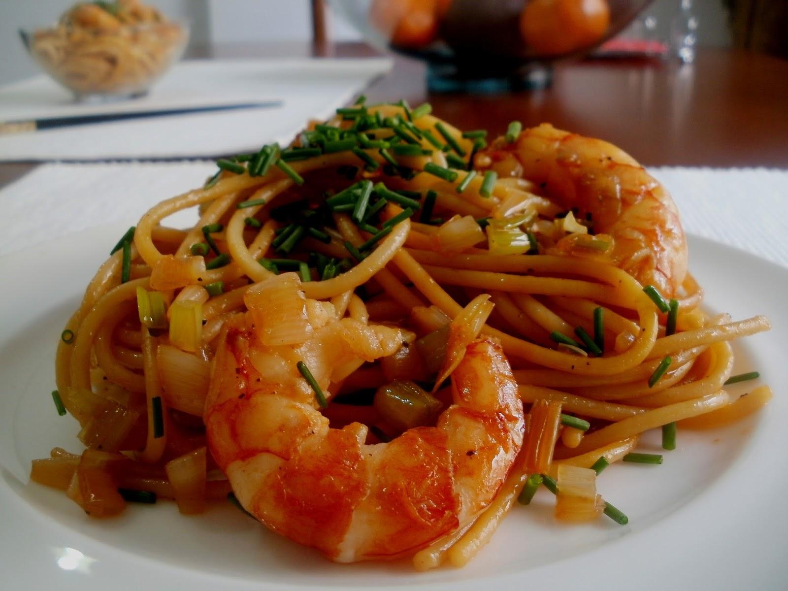 Los antojos de clara 2015 - Espaguetis con gambas y champinones ...