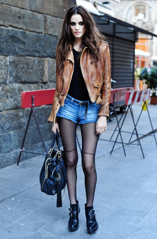 THIN TIGHTS  TREND ALERT STREET STYLE