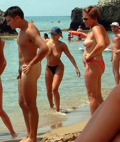 Voyeur naturistas playa libre