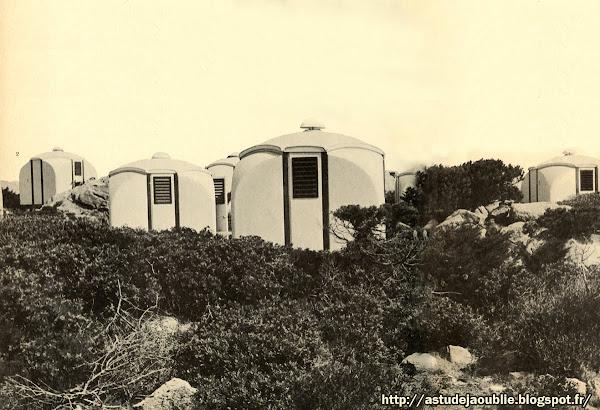 """Cabine-pavillon de tourisme """"Guscio""""  Createur: Roberto Menghi  Réalisation: 1967"""