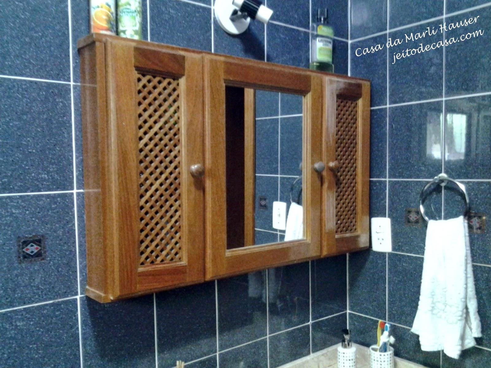 repaginando o armario do banheiro